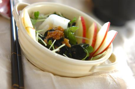 Recipe Daikon Radish and Wakame Seaweed Salad