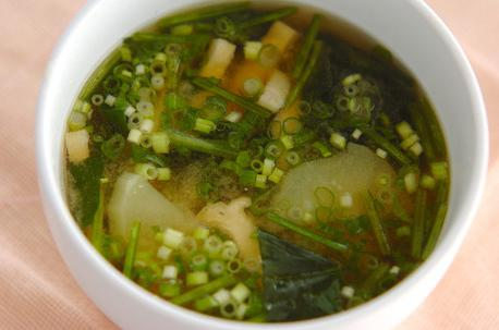 Recipe Miso Soup with Potato and Spinach