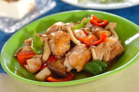Recipe Stir-Fried Chicken and Mushrooms, Butter and Soy Sauce Flavor