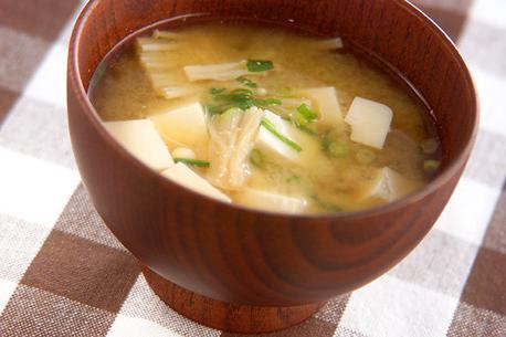 Recipe Tofu and Enoki Mushroom Miso Soup